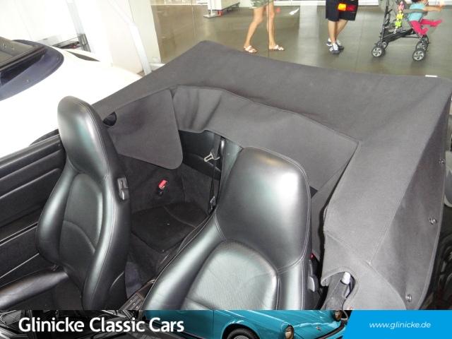 Porsche 993 C2 Cabrio - Triple Black - Handschalter