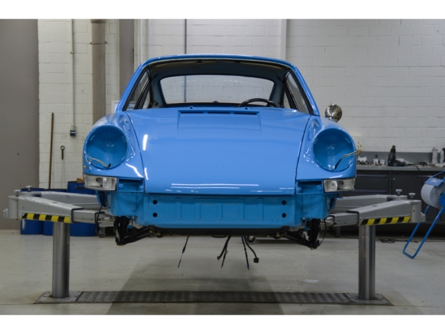 Porsche 911 2.2T Coupe - Vollrestauration - Blau/Pepita