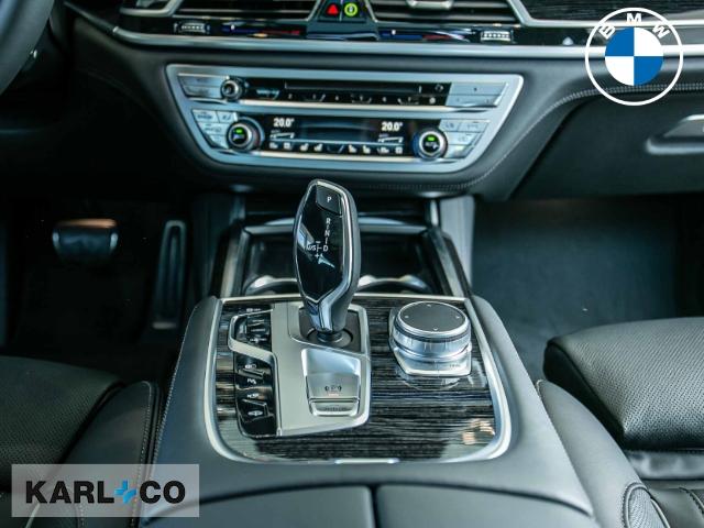 BMW 745 745: Bild 9