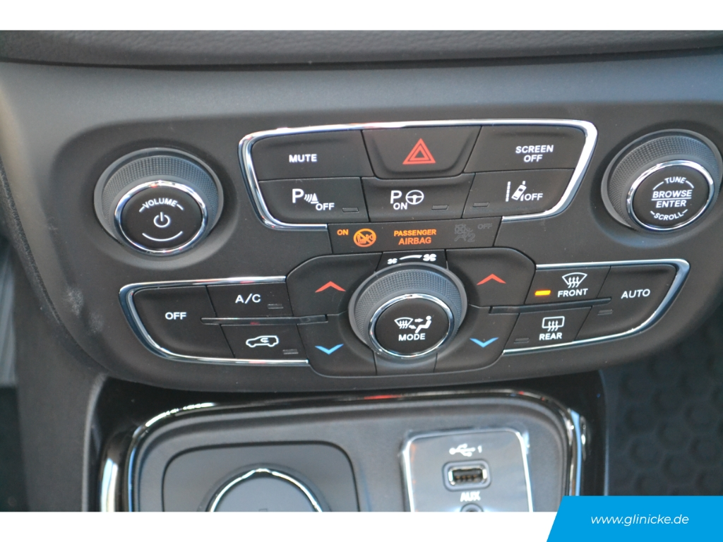 Jeep Compass Limited 4WD 1.4 NAVI Technologie-Paket