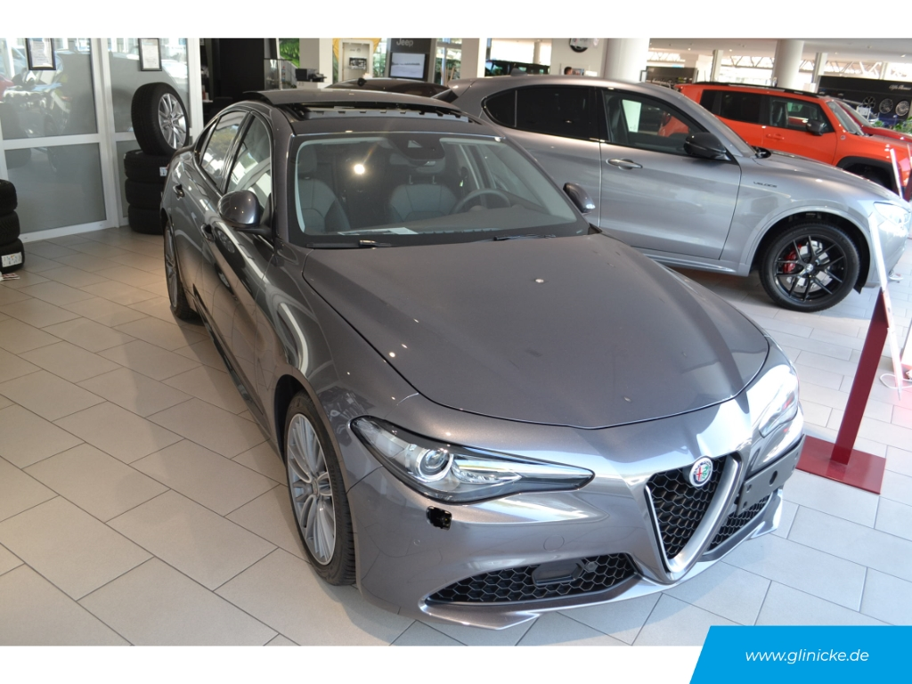Alfa Romeo Giulia Super 2.0 Navi Sport-Paket Komfort-Paket