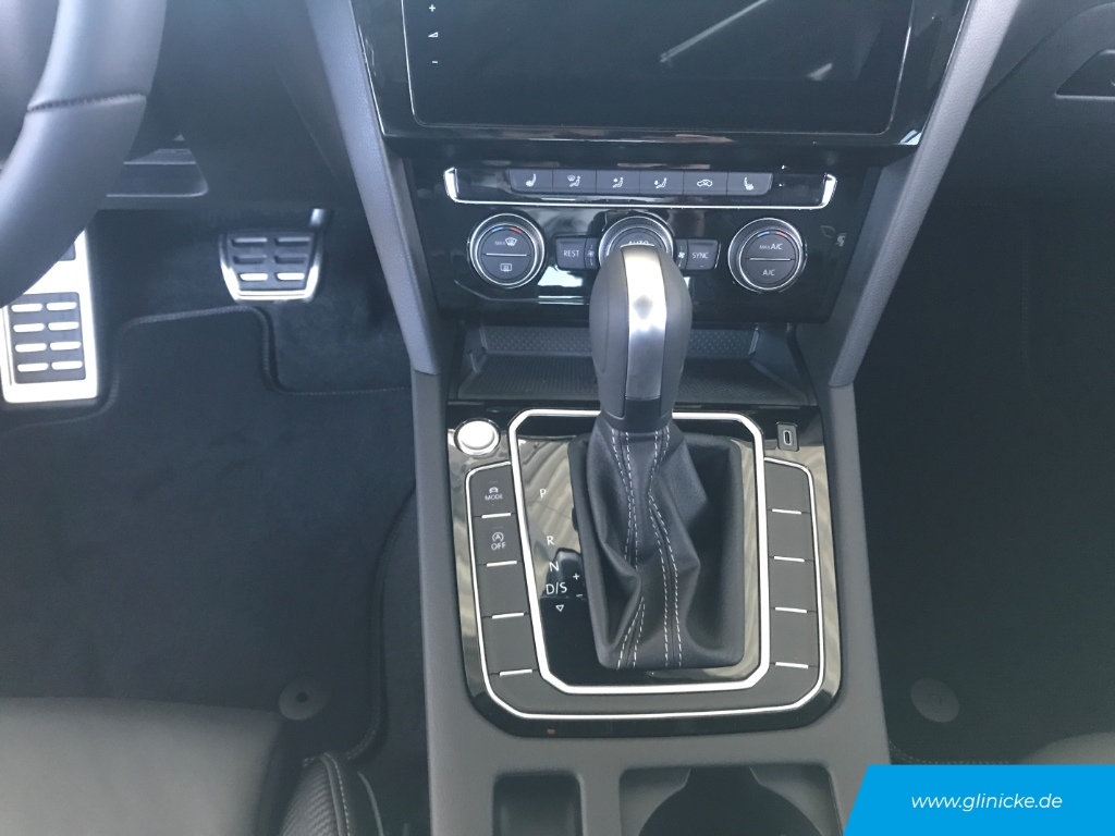 Volkswagen Arteon R-Line Head Up Area View Discover Pro Panorama