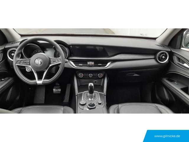 Alfa Romeo Stelvio Super Q4 2.0 Turbo 16V auf Winterreifen