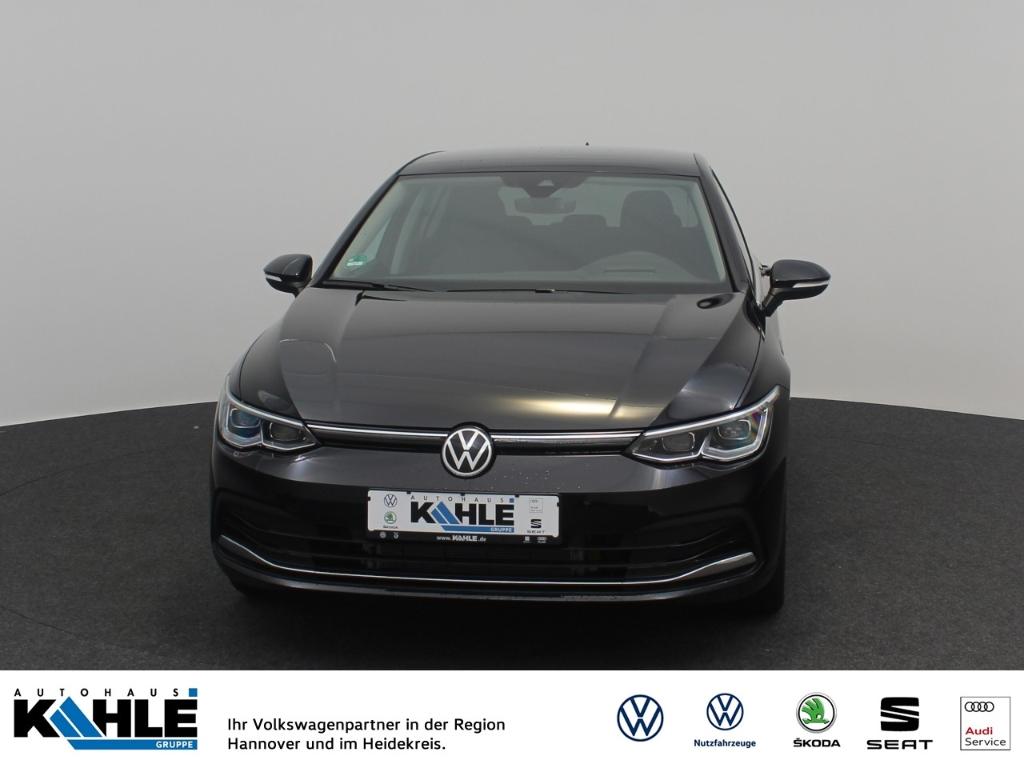 Volkswagen Golf VIII 1.5 eTSI OPF DSG Style Head-Up Panorama