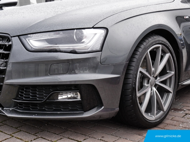 Audi A4 Avant 2.0 TDI S line Sportpaket plus quattro