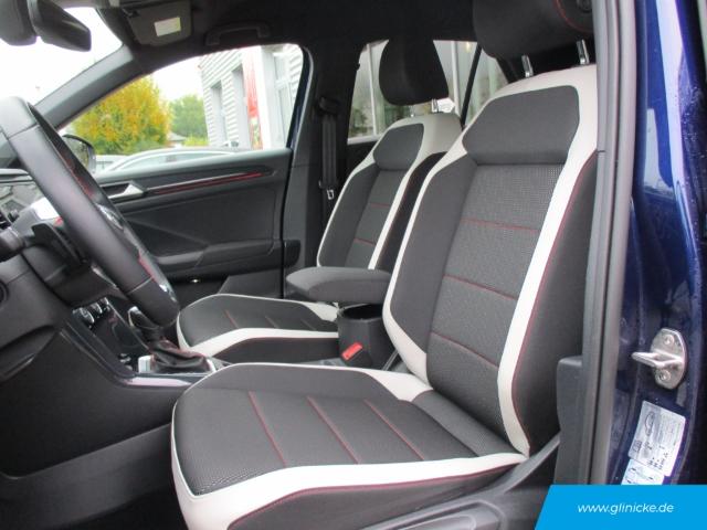Volkswagen T-Roc Sport 1.5 TSI DSG AHK Navi SHZ PDC